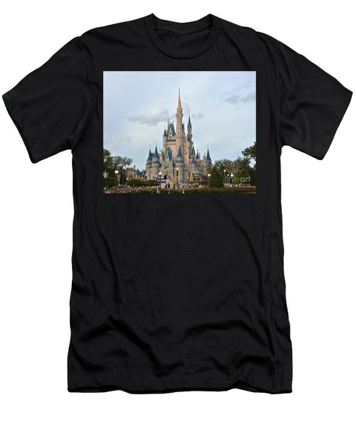 I Believe In Magic Men's T-Shirt (Athletic Fit)