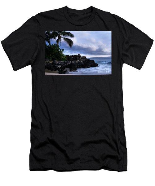 I Ke Kai Hawanawana Eia Kuu Lei Aloha - Paako Beach Maui Hawaii Men's T-Shirt (Athletic Fit)