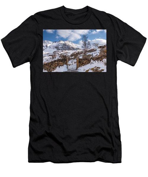 Idwal Gate Men's T-Shirt (Athletic Fit)