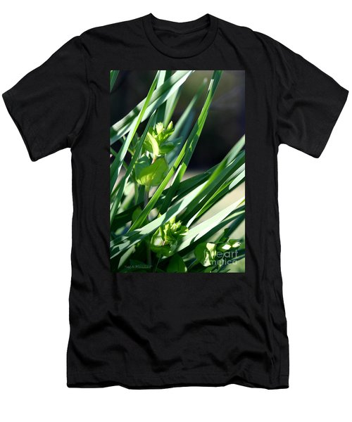 In The Grass Men's T-Shirt (Athletic Fit)