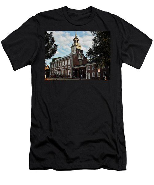 Men's T-Shirt (Slim Fit) featuring the photograph Independence Hall by Ed Sweeney