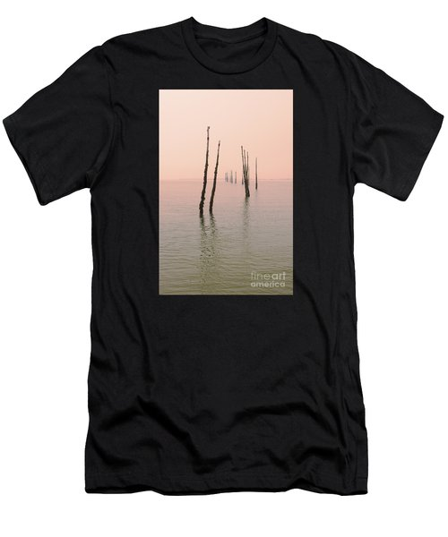 Into The Pink Sunset... Men's T-Shirt (Athletic Fit)