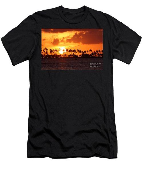 Isla De Leprosos Men's T-Shirt (Athletic Fit)