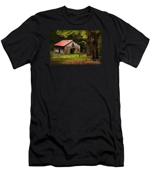 Kentucky Barn Men's T-Shirt (Athletic Fit)