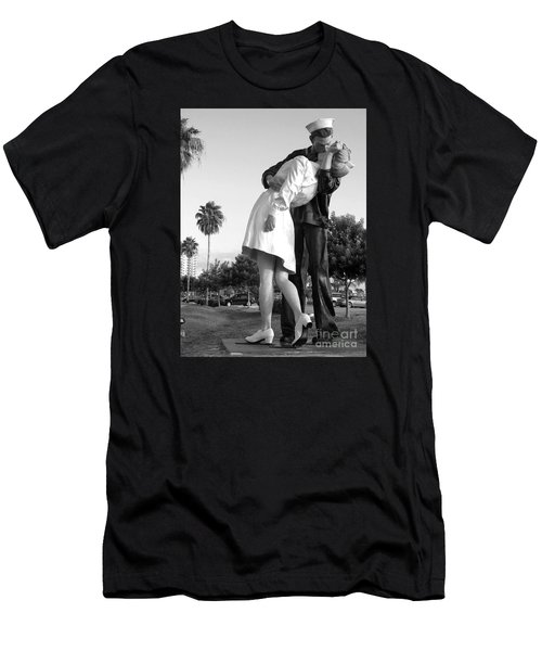 Kissing Sailor And Nurse Men's T-Shirt (Athletic Fit)