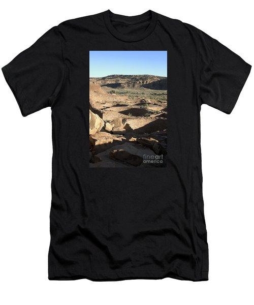 Kivas Chaco Canyon Men's T-Shirt (Athletic Fit)