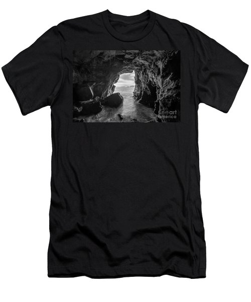 La Jolla Cave Bw Men's T-Shirt (Athletic Fit)