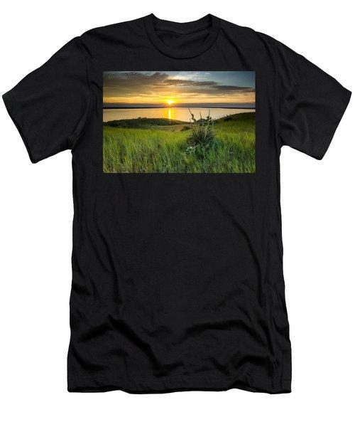 Lake Oahe Sunset Men's T-Shirt (Athletic Fit)