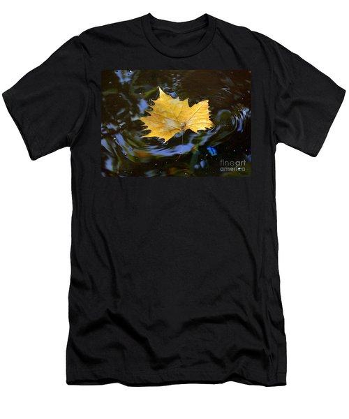Leaf In Pond Men's T-Shirt (Athletic Fit)