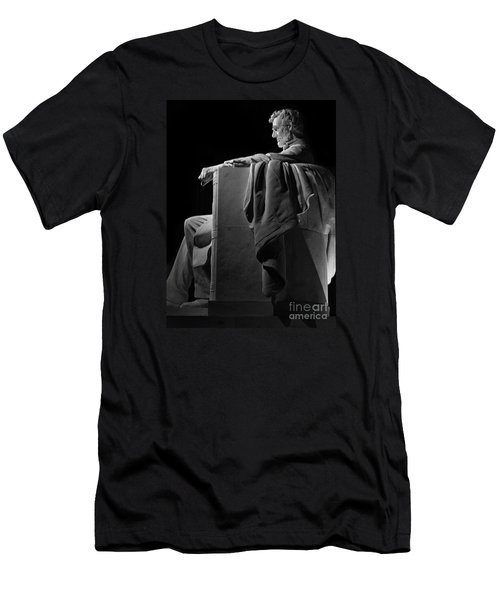 Lincoln In Black And White Men's T-Shirt (Athletic Fit)