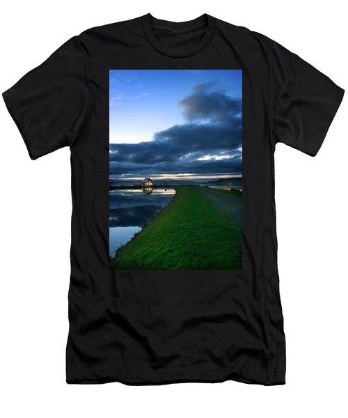 Lock House Men's T-Shirt (Athletic Fit)