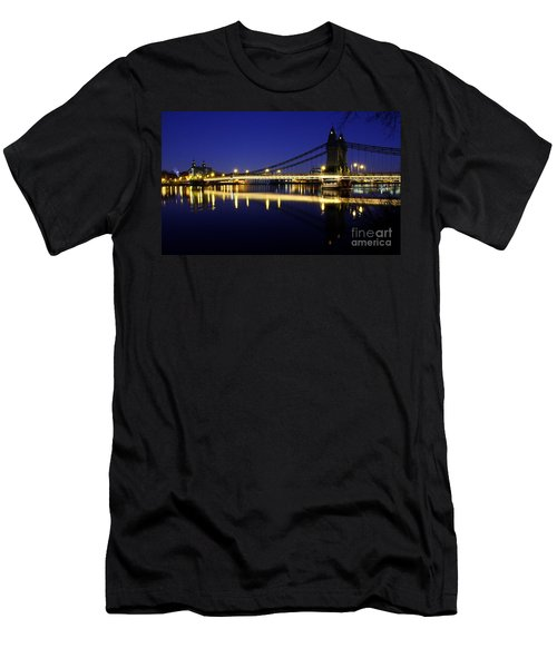 London 11 Men's T-Shirt (Athletic Fit)