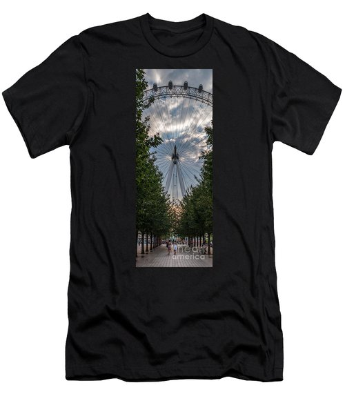 London Eye Vertical Panorama Men's T-Shirt (Athletic Fit)
