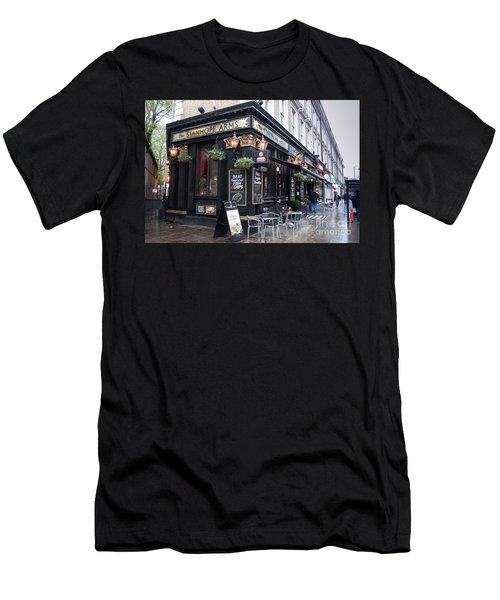 London Pub Men's T-Shirt (Athletic Fit)