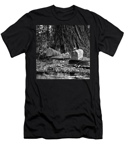 Lonely Post Men's T-Shirt (Athletic Fit)