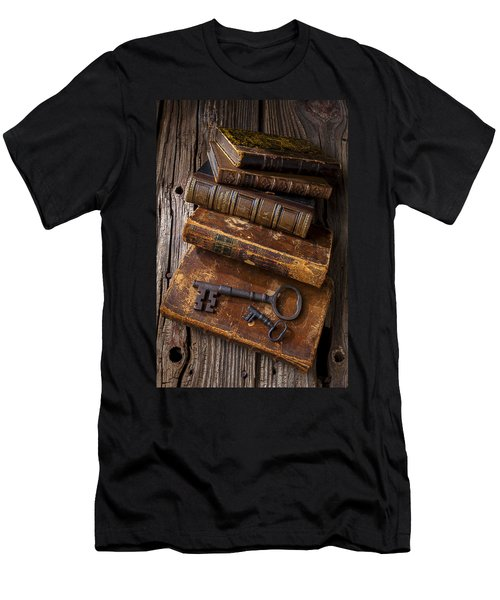 Love Reading Men's T-Shirt (Slim Fit) by Garry Gay