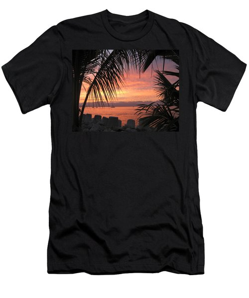 Loving La Cruz Men's T-Shirt (Slim Fit)