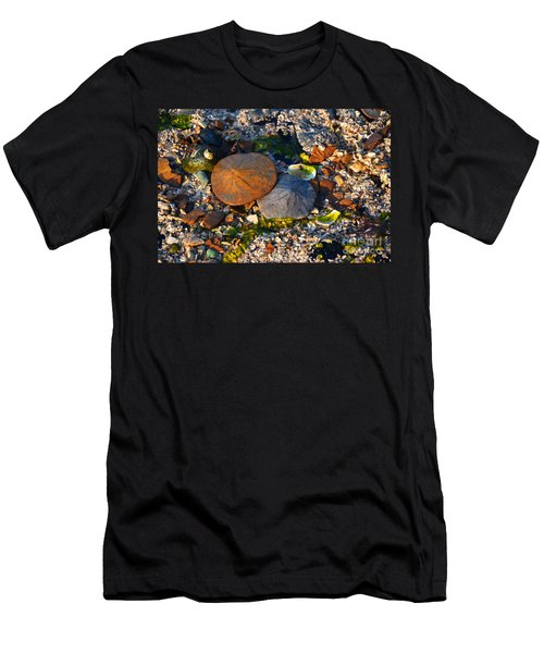 Low Tide Lovers Men's T-Shirt (Athletic Fit)