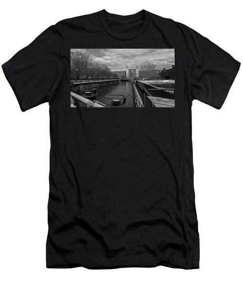 Lowell Ma Architecture Bw Men's T-Shirt (Athletic Fit)
