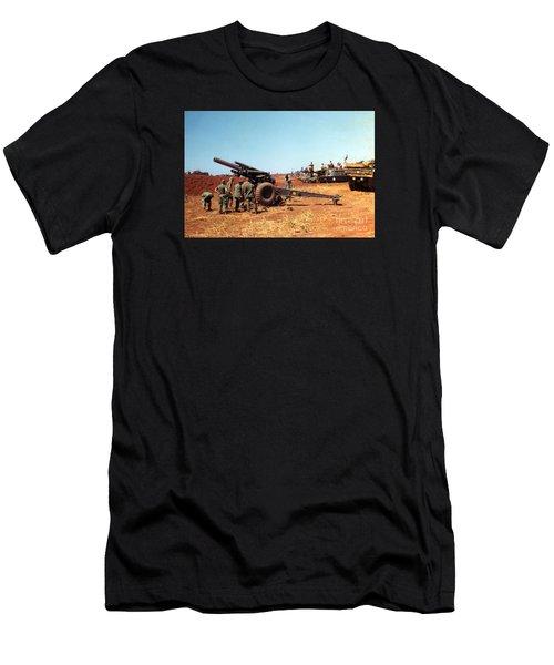 M114 155 Mm Howitzer Was A Towed Howitzer 4th Id Pleiku Vietnam Novembr 1968 Men's T-Shirt (Athletic Fit)