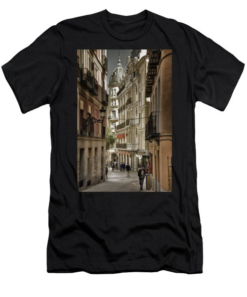 Madrid Streets Men's T-Shirt (Athletic Fit)