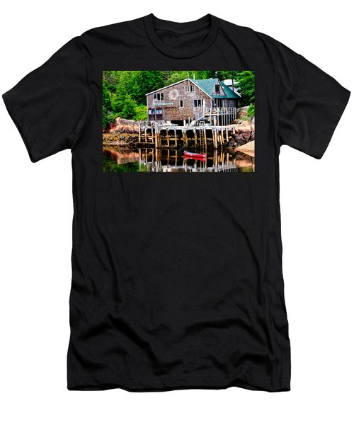 Maine Scene Men's T-Shirt (Athletic Fit)