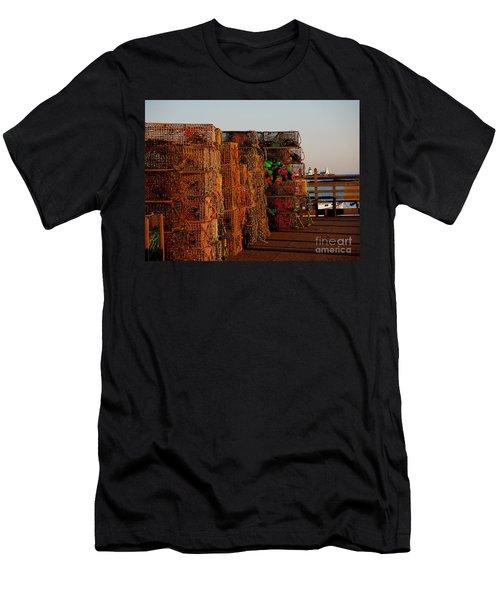 Maine Traps Men's T-Shirt (Athletic Fit)