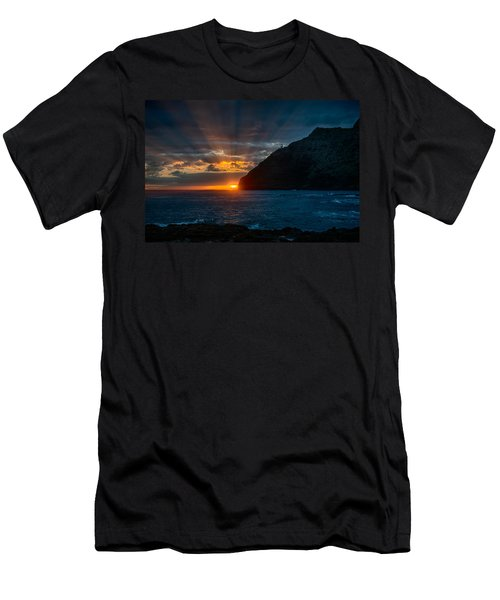 Makapuu Sunrise Men's T-Shirt (Athletic Fit)