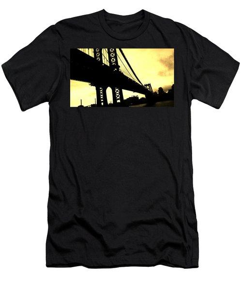 Manhattan Bridge Men's T-Shirt (Slim Fit)
