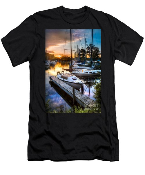 Marina Sunrise Men's T-Shirt (Athletic Fit)