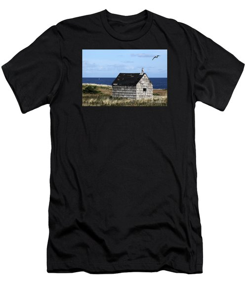 Maritime Cottage Men's T-Shirt (Athletic Fit)