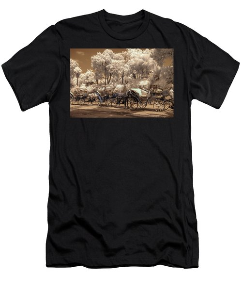 Marrakech Street Life - Horses Men's T-Shirt (Athletic Fit)