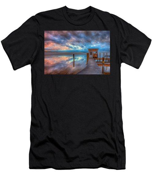 Melvin Village Marina In The Fog Men's T-Shirt (Athletic Fit)