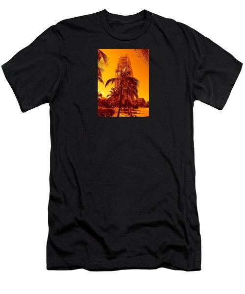 Miami South Pointe Iv Men's T-Shirt (Athletic Fit)