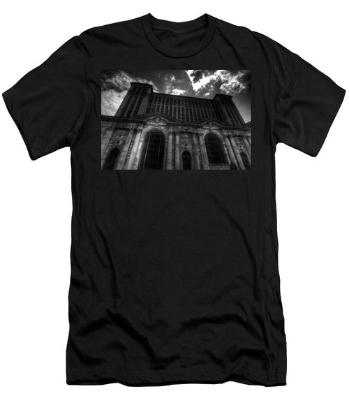 Michigan Central Station Highrise Men's T-Shirt (Athletic Fit)