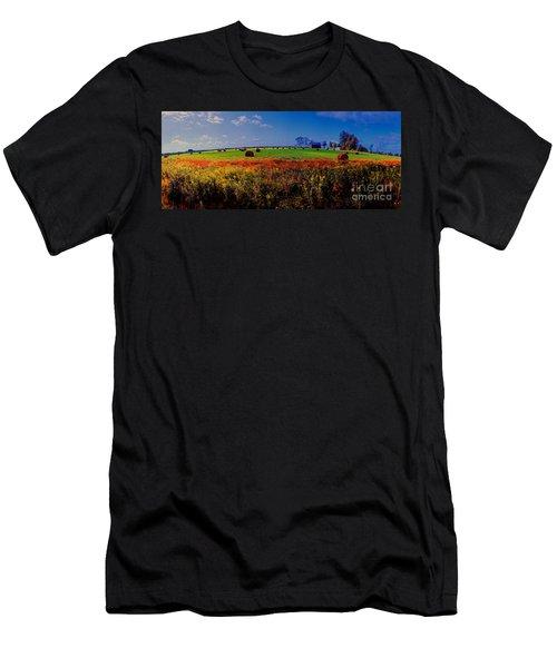 Michigan Uper  Farm Barn And Rolls Of Hay Brimly Michigan Men's T-Shirt (Athletic Fit)