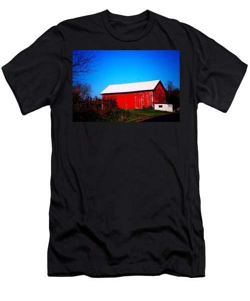 Milk House And Barn Men's T-Shirt (Athletic Fit)