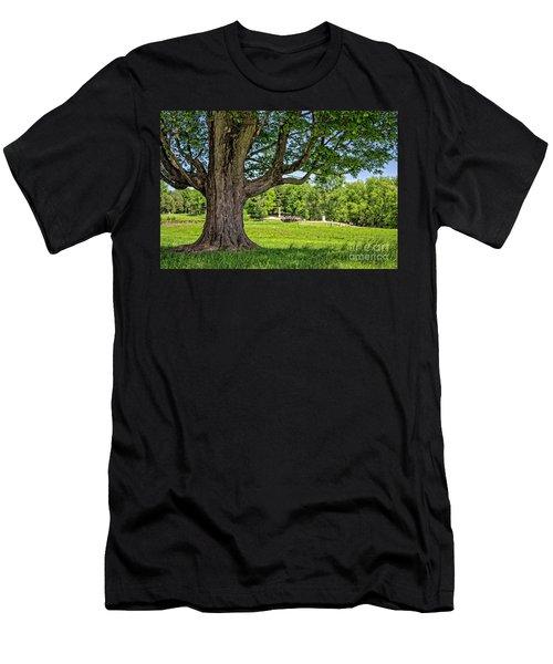 Minute Man National Historical Park  Men's T-Shirt (Athletic Fit)