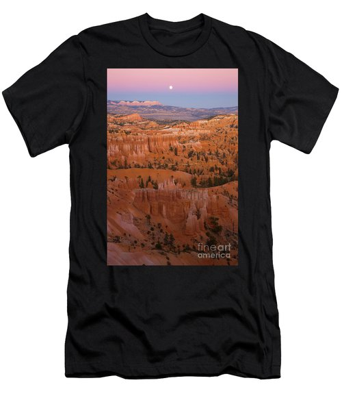 Moonrise Over Bryce Canyon Men's T-Shirt (Athletic Fit)