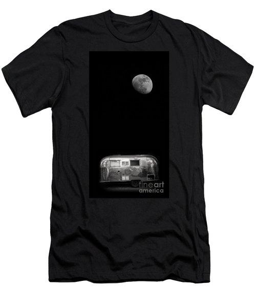 Moonrise Over Airstream Men's T-Shirt (Athletic Fit)
