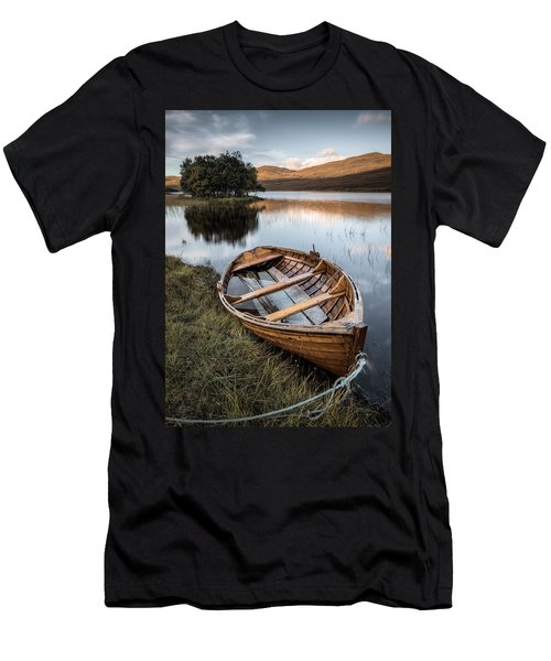 Moored On Loch Awe Men's T-Shirt (Athletic Fit)