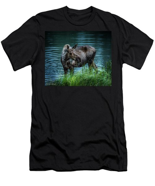 Moose In The Water Men's T-Shirt (Athletic Fit)