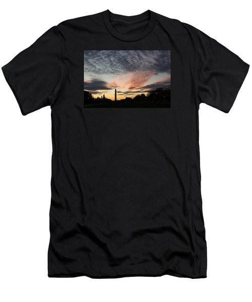 Mother Nature Painted The Sky Over Washington D C Spectacular Men's T-Shirt (Slim Fit) by Georgia Mizuleva