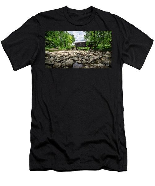 Moxley Covered Bridge Chelsea Vermont Men's T-Shirt (Athletic Fit)