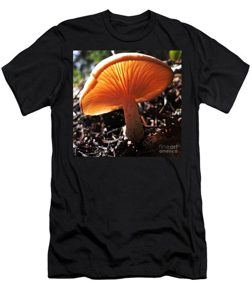 Mushroom Men's T-Shirt (Slim Fit)