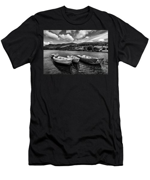 Nantlle Uchaf Boats Men's T-Shirt (Athletic Fit)