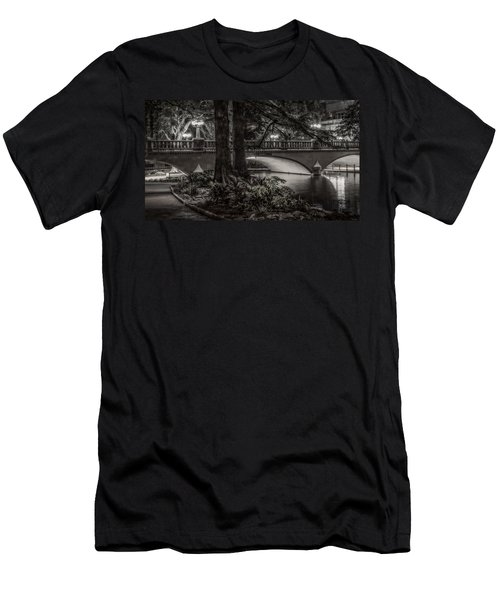 Navarro Street Bridge At Night Men's T-Shirt (Athletic Fit)