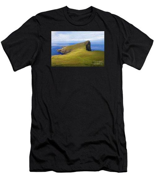 Neist Point  Men's T-Shirt (Athletic Fit)