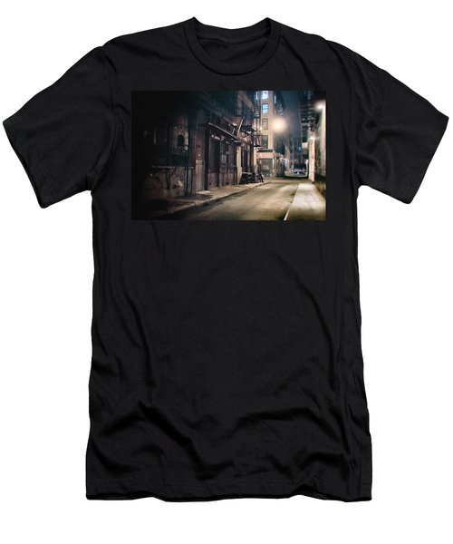 New York City Alley At Night Men's T-Shirt (Athletic Fit)