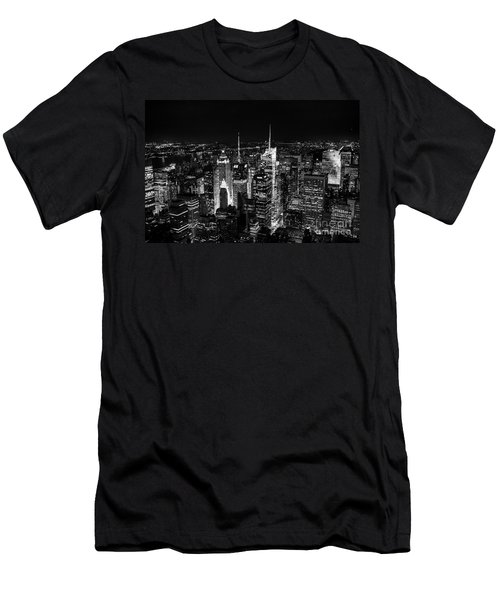 New York Times Square Bw Men's T-Shirt (Athletic Fit)